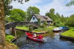 Weekend, midweek of week in een vakantiechalet aan het water op <b>Vakantiepark Giethoorn</b>
